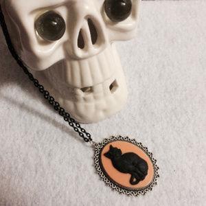 Necklace | Halloween Cat Cameo